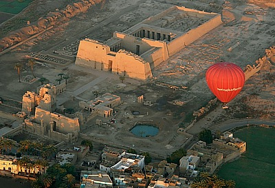 Hot Air Ballooning over the country of the Pharaoh's